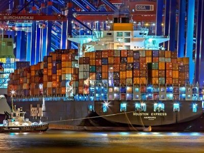 How to Prevent Moisture in Sea Containers
